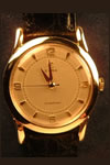 cyma 9ct gold wristwatch